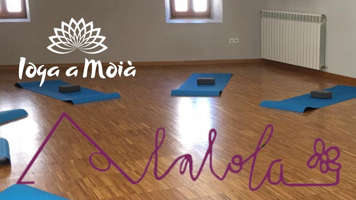 Classes de ioga amb Lalola